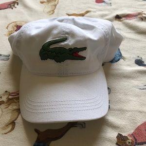 Lacoste Big embroidered crocodile hat white